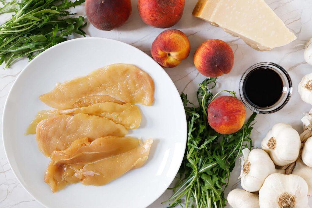 ricetta-straccetti-di-pollo-aceto-balsamico-rucola-e-pesche